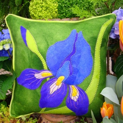 Iris Wool Applique Throw Pillow Pattern