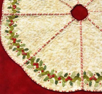 Holly & Berries Tree Skirt Quilt Pattern by Shabby Fabrics