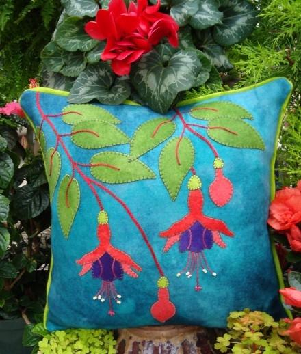 Fuschia Fancy Wool Applique Throw Pillow Pattern